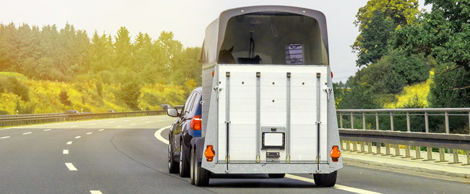 Tipps zum Fahren mit Anhänger | ADAC