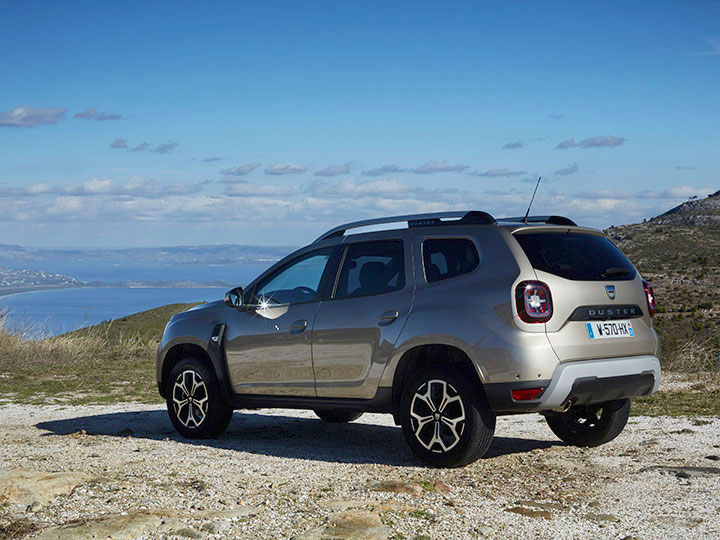 neuer dacia duster der kompakt suv im test adac motorwelt. Black Bedroom Furniture Sets. Home Design Ideas
