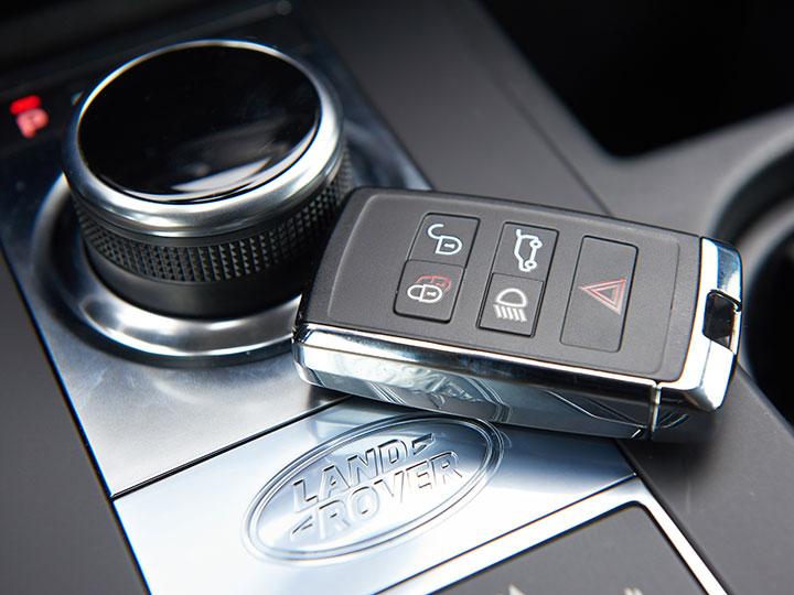 Mazda cx 5 schlüssel batterie wechseln