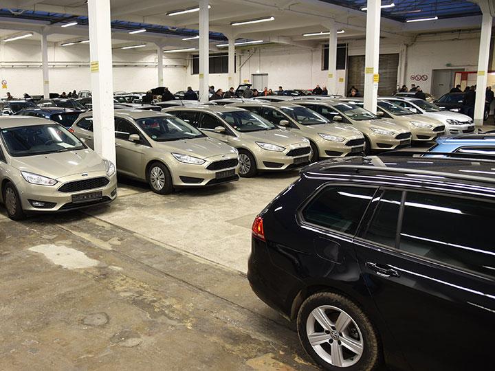 Behördenfahrzeuge Gebrauchte Kaufen Ersteigern Adac