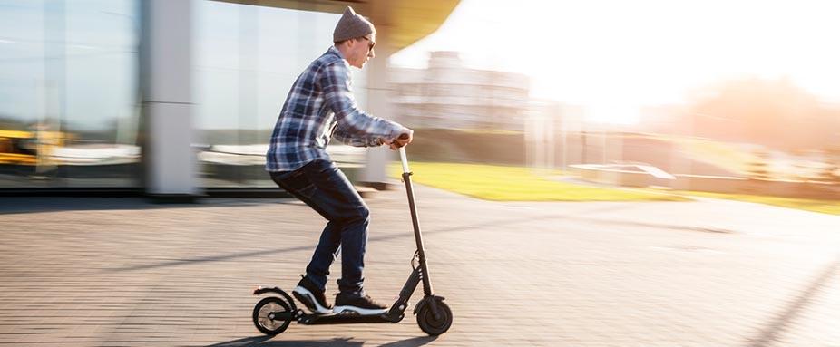 Elektrorollere Scooter Demnächst Mit Straßenzulassung Adac