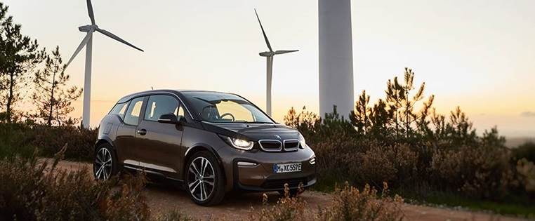 Zulassungsstatistik E-Autos: BMW i3 liegt vor Tesla   ADAC