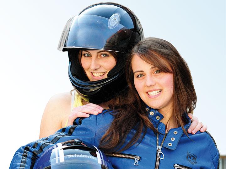 Kfz Versicherungen Pkw Motorrad Moped Und Oldtimer Adac